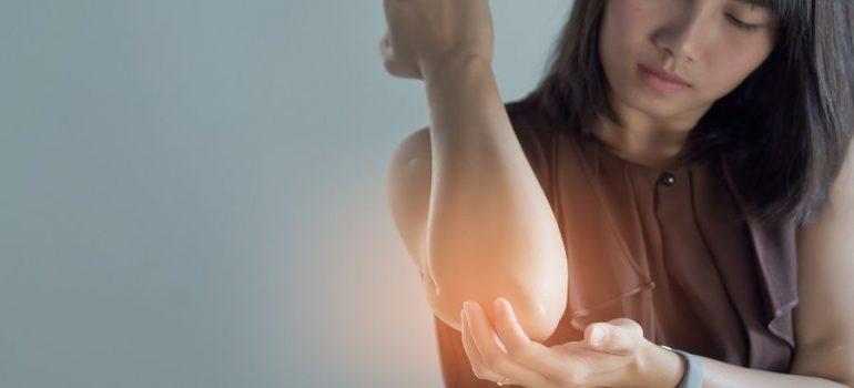 Tennis-Elbow-Treatment (1)