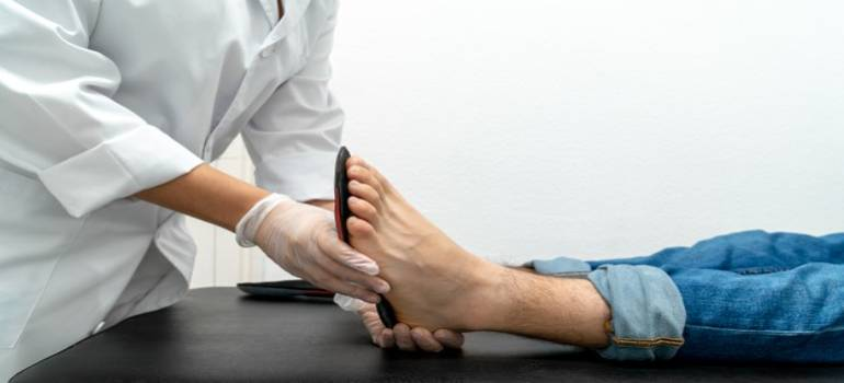 Foot insoles